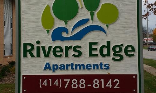 riversedge-exteriorsign-500